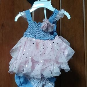 Baby girl outfit with bloomers